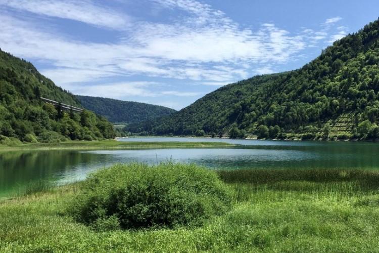 Photo lac dans l'Ain